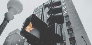 Sygnalizacja świetlna dla pieszych, pokazująca zakaz przejścia